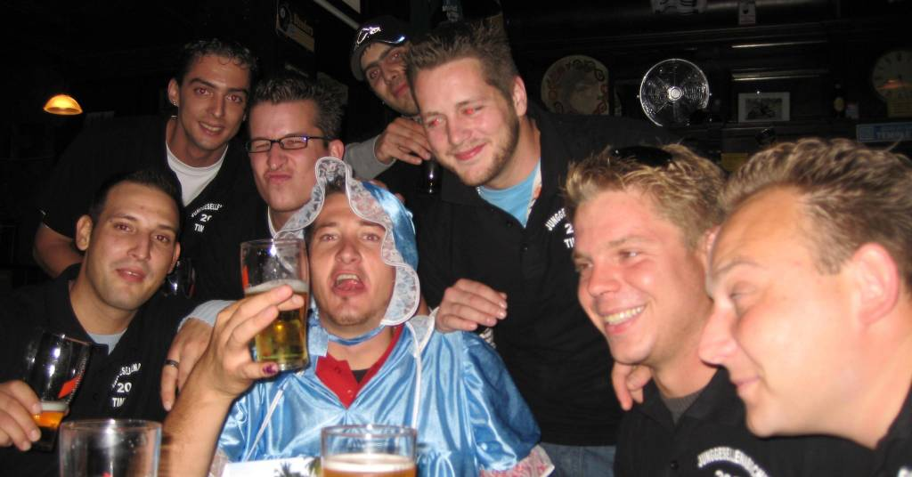 top-10-awful-stories-from-ruined-bachelor-parties-u1